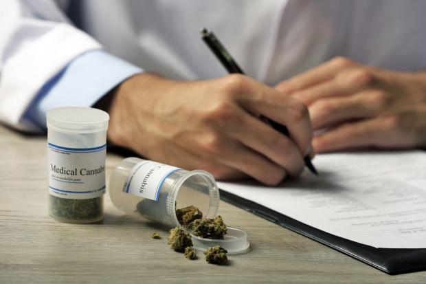 Wiceminister: Nie ma dowodów, że marihuana ma znaczenie medyczne