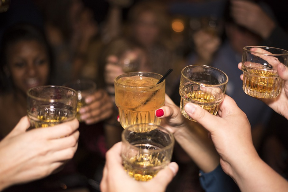 Rynek whisky w Polsce: Sprzedaż wolumenowa rośnie 5 razy szybciej niż wartościowa