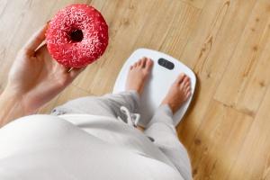FAO: Na świecie coraz więcej ludzi niedożywionych i otyłych