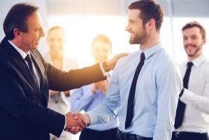Praca: Jak zarządzać wiekiem w przedsiębiorstwach?