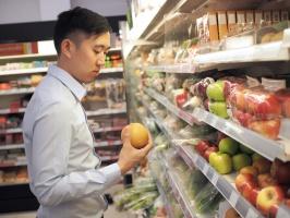 Azjaci traktują sklepy convenience jak prywatną lodówkę