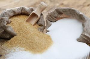 IERiGŻ: Ceny cukru cały czas rosną
