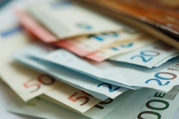 Europejczycy nie chcą rezygnować z gotówki
