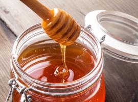 Podkarpackie: Słaby sezon pszczelarzy. Tylko 13 kg miodu z ula