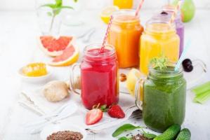 Polacy nadal spożywają za mało owoców, warzyw i soków