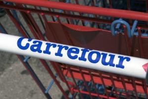 Carrefour z supermarketem w Nowym Dworze Mazowieckim