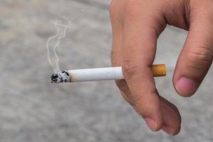 Spada liczba palaczy