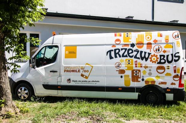 Trzeźwobus Kompanii Piwowarskiej promował odpowiedzialną konsumpcję alkoholu