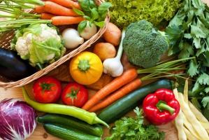 Hurtowe ceny owoców i warzyw na Broniszach znacznie niższe niż rok temu