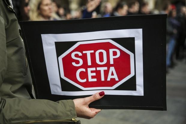 W Warszawie protestowano przeciwko CETA
