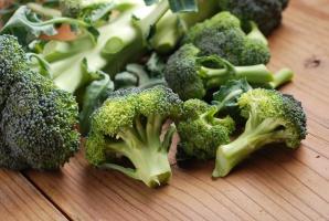 Składnik brokułów i avokado redukuje objawy starzenia się u myszy