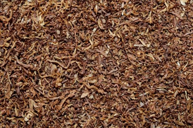 700 kg nielegalnego tytoniu w busie zatrzymanym do kontroli