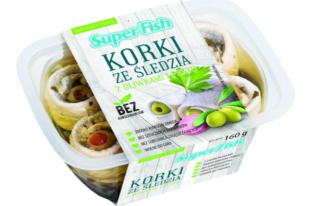 SuperFish: Nowe koreczki śledziowe z fetą i pesto oraz z oliwkami i pesto