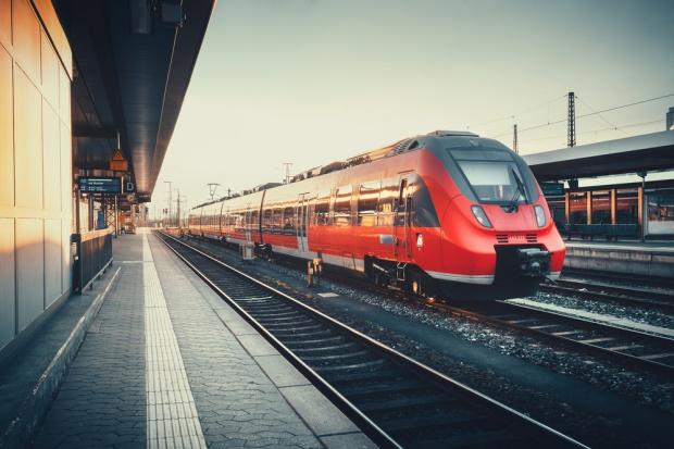 Sejm przyjął poprawki do noweli o transporcie kolejowym