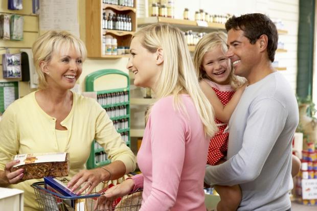 Wzrost październikowej sprzedaży w sklepach małoformatowych o 2,6 proc. rdr