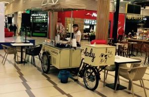 """Wytwórnia Lodów Prawdziwych """"u Lodziarzy"""" otwiera punkt w gdańskim Auchan"""