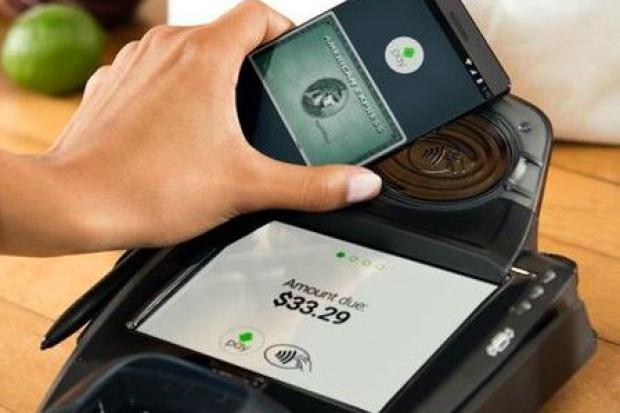 Carrefour wdrożył płatności mobilne Android Pay