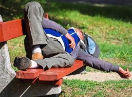 Rośnie liczba bezdomnych Polaków za granicą