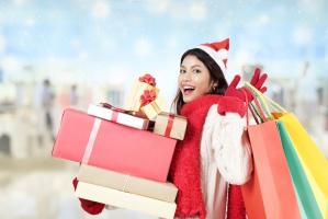 Zakupy przedświąteczne: W jakich sklepach Polacy kupią żywność i prezenty?