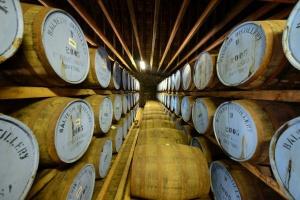 Inwestujący w dobra alternatywne najbardziej zadowoleni z whisky