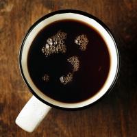 Herbatę pijemy najczęściej z dużego kubka