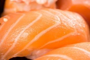 Rekordowa sprzedaż norweskich łososi
