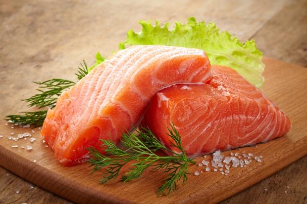 Zmniejsza się wolumen sprzedaży łososia