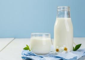 """Na hiszpański rynek trafiło mleko zwane potocznie """"mlekiem feministek"""""""