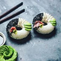 Donuty z sushi trafiły do sprzedaży detalicznej