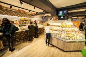Nowy koncept Carrefoura - to cienka granica między sklepem a restauracją