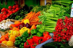Bronisze: Rekordowo drogie importowane warzywa