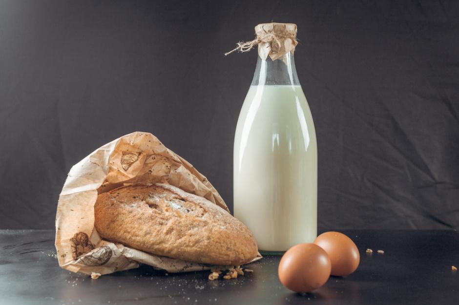 Brytyjczycy chcą dodawać witaminę D do chleba i mleka