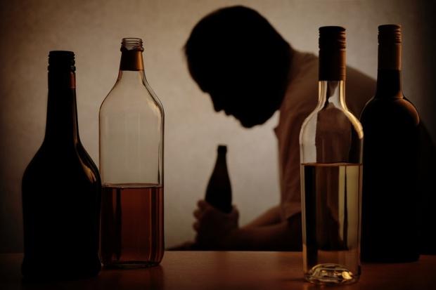 Nadużywanie alkoholu postarza naczynia krwionośne