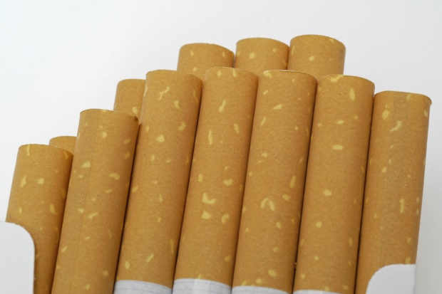 Łódź: Cztery osoby podejrzane o nielegalną produkcję papierosów