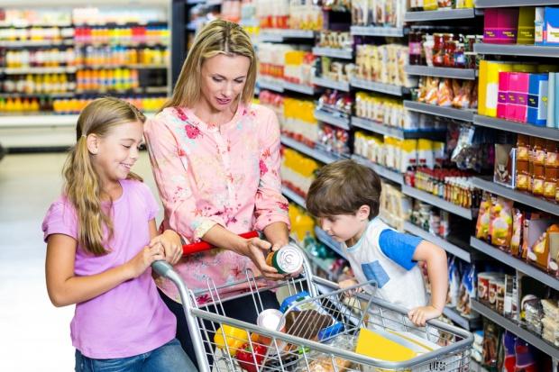 Badanie: Widać nieufność do zamawiania artykułów spożywczych przez internet