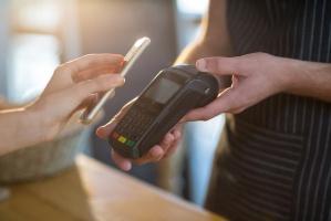4% Polaków robi mobilne zakupy
