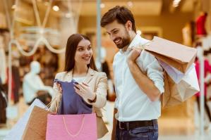 Millenialsi kochają centra handlowe i cenią tradycyjne wartości