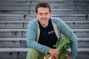 """Polacy tęsknią za żywnością """"taką jak dawniej"""" - rozmowa z założycielem Rano Zebrano"""