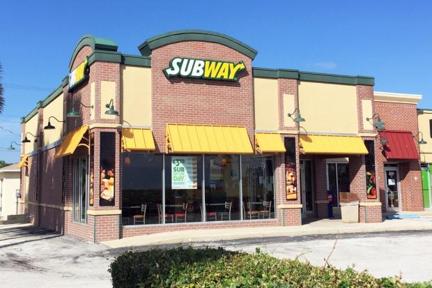 Kanada: W kanapkach sieci Subway zbyt mało procent kurczaka w kurczaku?