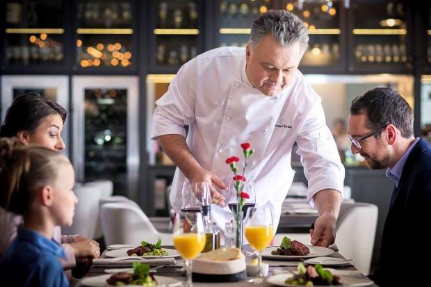 Robert Sowa: Gastronomia to nigdy niekończąca się historia, cały czas musimy się rozwijać