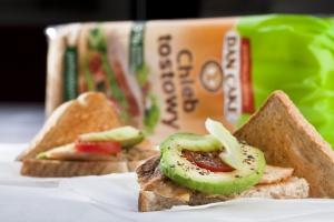 Dan Cake: 4 na 10 dorosłych konsumentów przynajmniej raz w miesiącu kupuje pieczywo tostowe