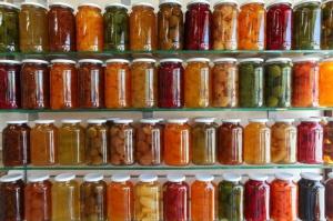 Ekonomista: Sektor przetworów owocowo-warzywnych ma szansę być innowacyjnym
