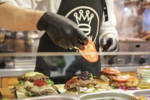 Zdjęcie numer 5 - galeria: Trzeci dzień Food Show przyciągnął tłumy odwiedzających (wideo / foto)