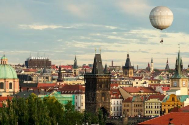 Czeskie media: ukraińscy pracownicy wjeżdżają do Czech przez Polskę