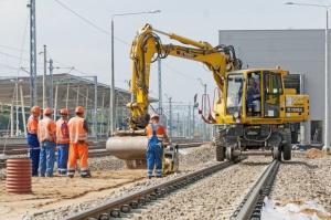 Transport: PKP PLK podpisały w 2017 roku umowy o wartości 1,8 mld zł