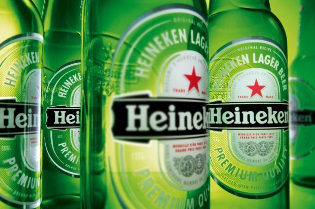 Rząd Węgier przeciw czerwonej gwieździe na etykiecie Heinekena