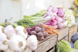 Rosja stopniowo przywraca import owoców i warzyw z Turcji