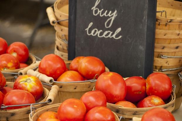 Komitet Regionów: Żywność zrównoważona to żywność ekologiczna, lokalna i świeża