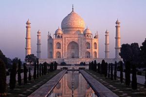 Indie - duża pokusa i jeszcze większe wyzwanie