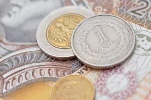 Rynek walut: Słaby początek tygodnia dla złotego